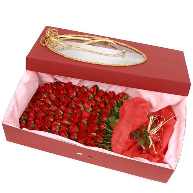 100 Roses in Gift Box